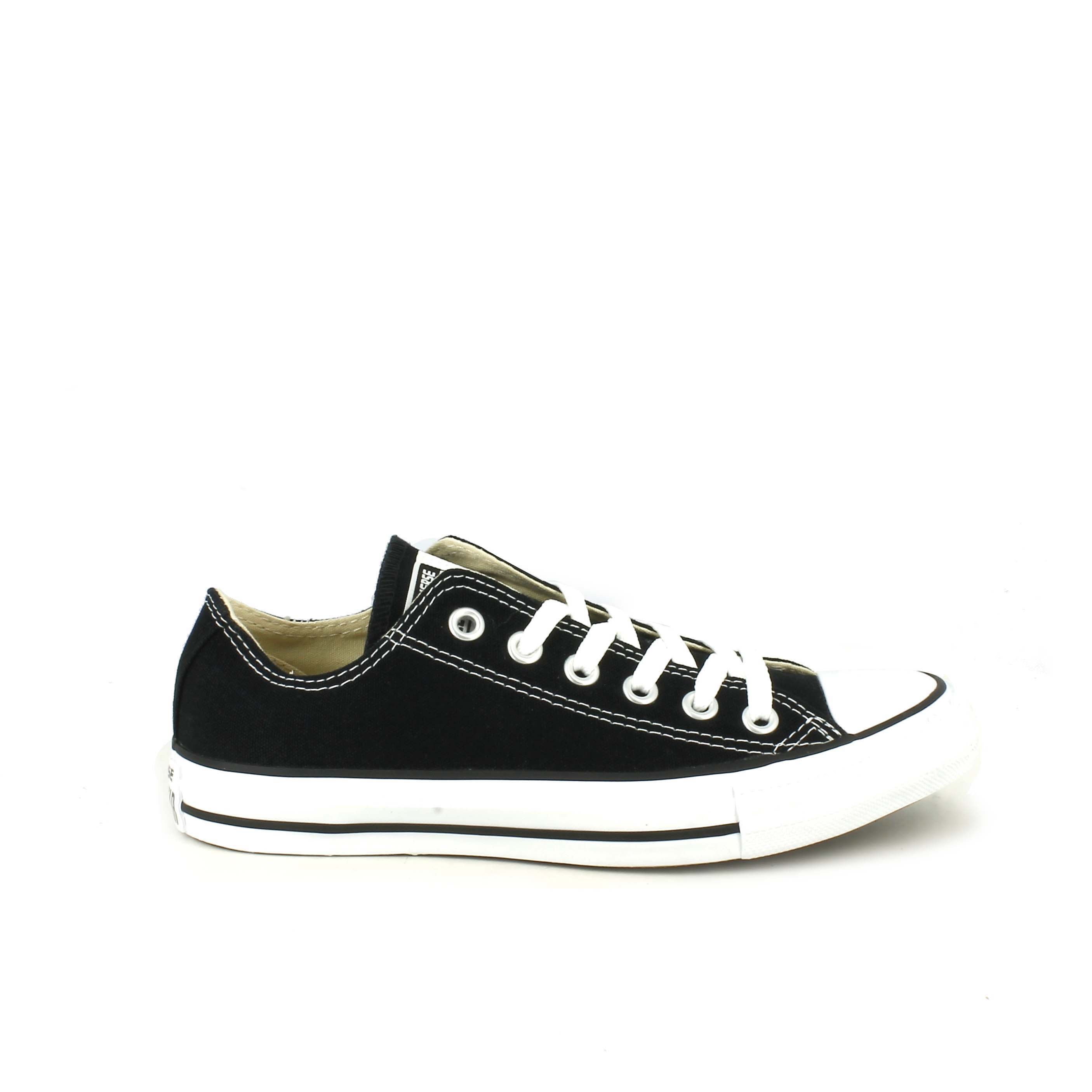 Chuck Taylor All Star Classic Low Top, Black
