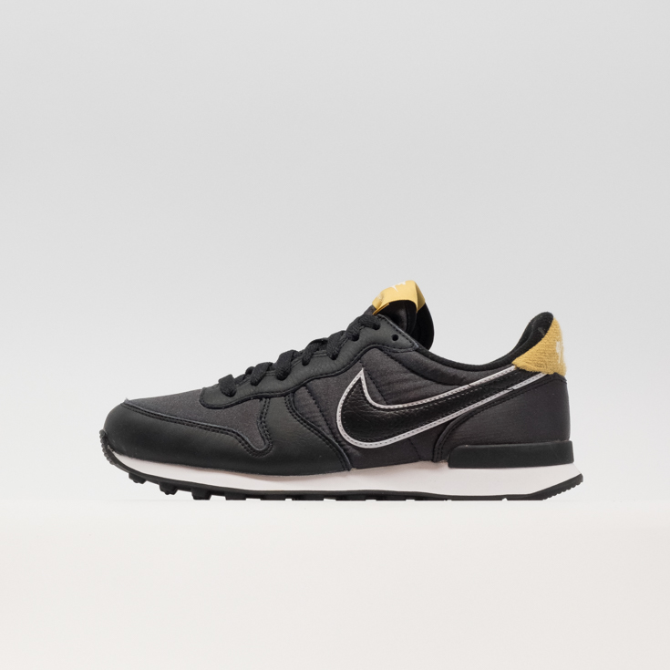 W INTERNATIONALIST HEAT